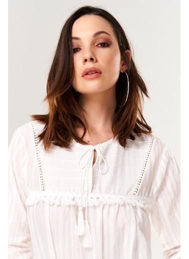 ESQ Püsküllü Bluz Beyaz
